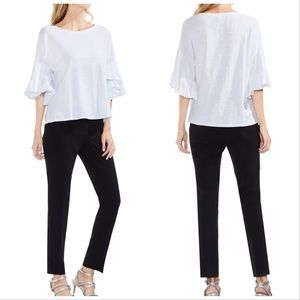 VINCE CAMUTO White t shirt blouse ruffle sleeves